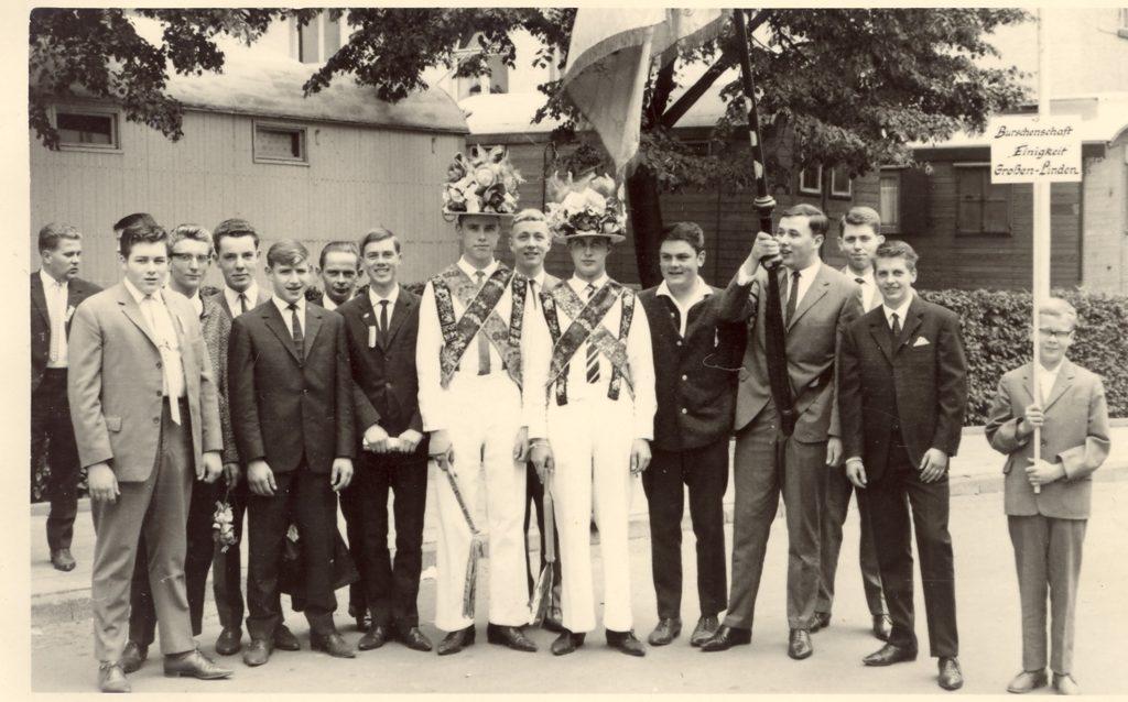 Kirmesburschen 1964,  Gerhard Schlitz und Hans Jürgen Weller